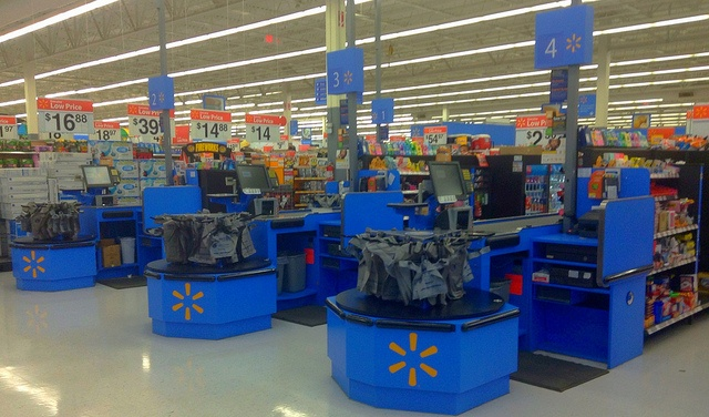 How To Save Money At Walmart: 11 Simple Ways Savvy People Shop